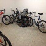 Le bon vieux local à vélo de nos immeubles : un espace à réinventer. Crédits : Zélia Darnault