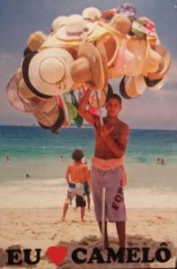 Le collectif d'artistes carioca Opavivarà mène une réelle campagne de communication pour sauvegarder ce type de commerce mis péril par la municipalité