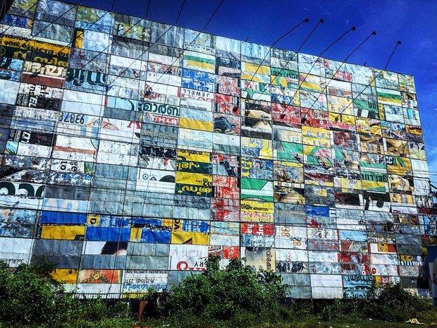 """Crédits : Matt Roberts – """"Billboard of billboards building a billboard"""""""