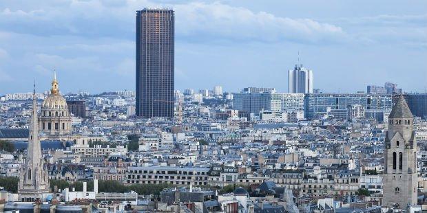 La tour Montparnasse a longtemps alimenté les débats entre partisans et détracteurs de l'élévation architecturale à Paris.