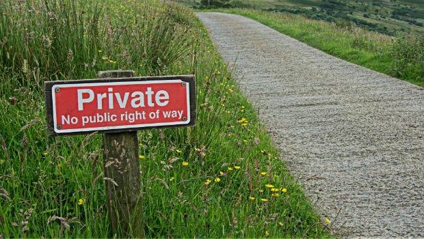 Les terrains privés sont souvent signalisés