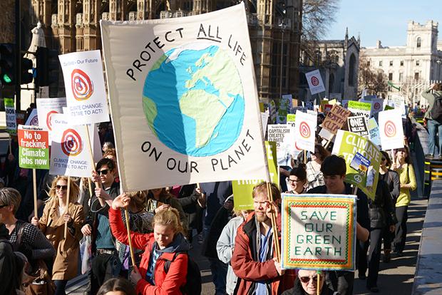 photographie de la marche pour le climat a londres