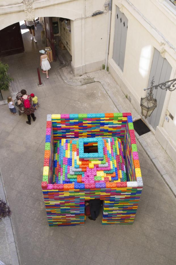 La Madeleine, une installation ludique et colorée qui joue avec la nostalgie des visiteurs lors du FAV 2017, par l'Atelier Microméga