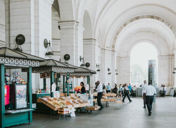 Primeurs et autres commerces à Union Station, Washington