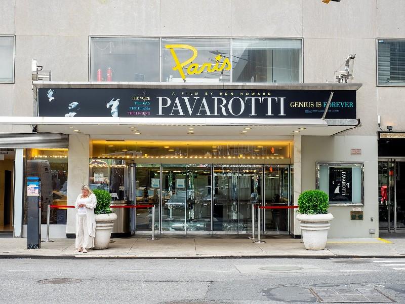 Le Paris Theater à New York en juin dernier - Ajay Suresh/Wikipédia