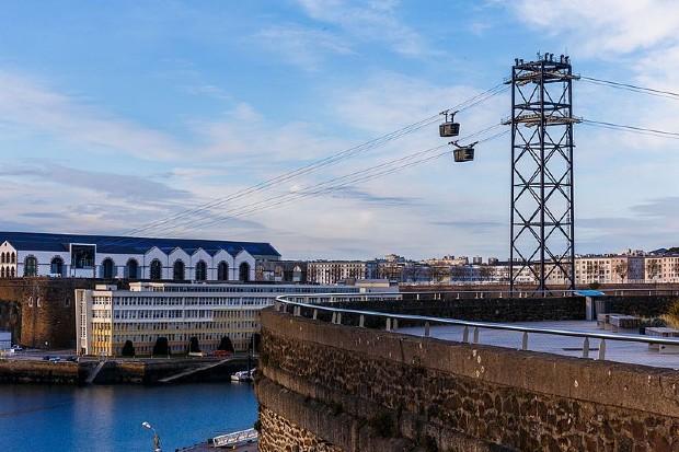 Brest est la première ville française à s'être doté d'un téléphérique urbain ©️Jérémy Kergourlay sur Wikipédia