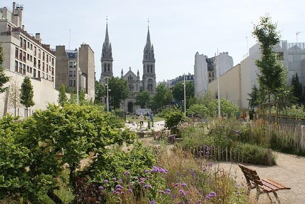Le jardin Truillot dans le 11ème arrondissement est un exemple d'opération de dédensification - Artvill/CC BY-SA 4.0