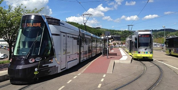 Tramway à Saint-Etienne, crédits : AirScott sur Wikipedia